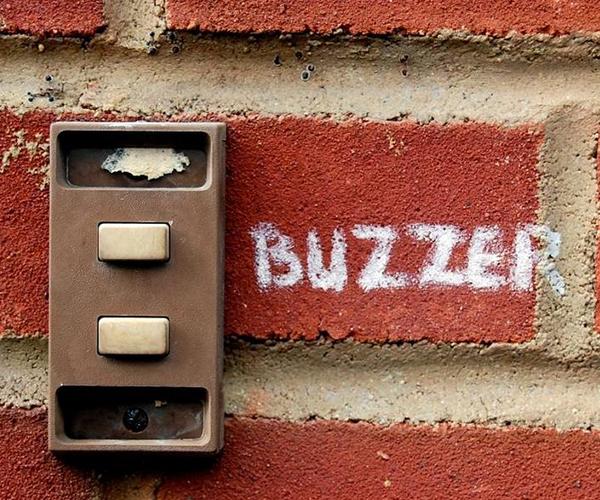 10 lucruri de luat in considerare la achizitionarea de buzzere